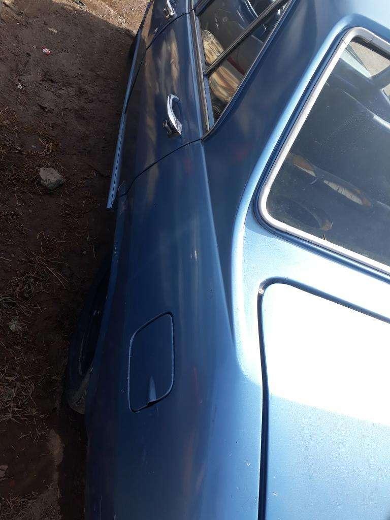 Interior Vehiculo Peugeot 504 Nafta