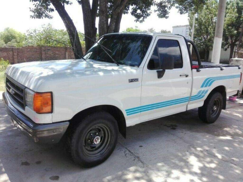 Diésel Ford F100 Turbo 4x2 Impecable