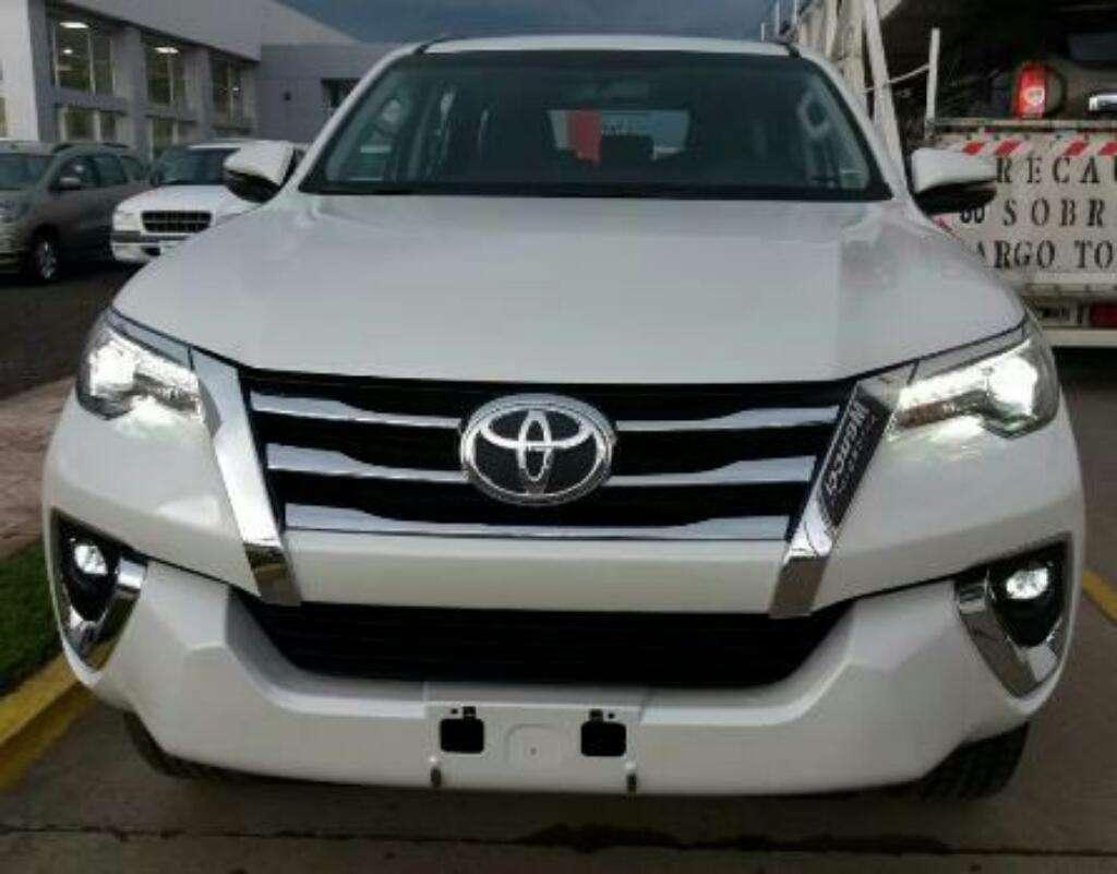 Toyota Hilux Sw4 Srx 0km