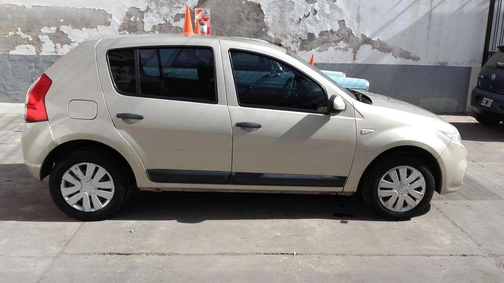 Renault Sandero 1,6 nafta 5 puertas Full -Rioja