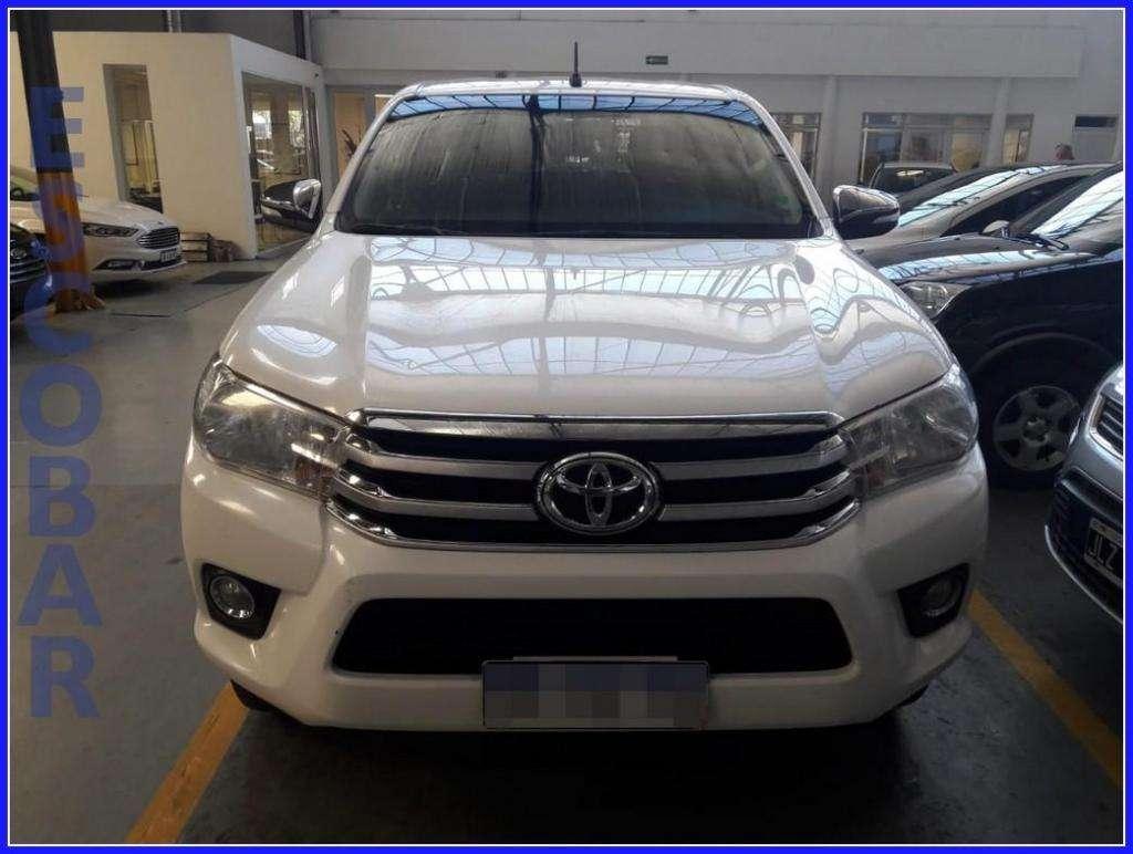 Toyota Hilux c/d srv c/cuero 4x2 mt