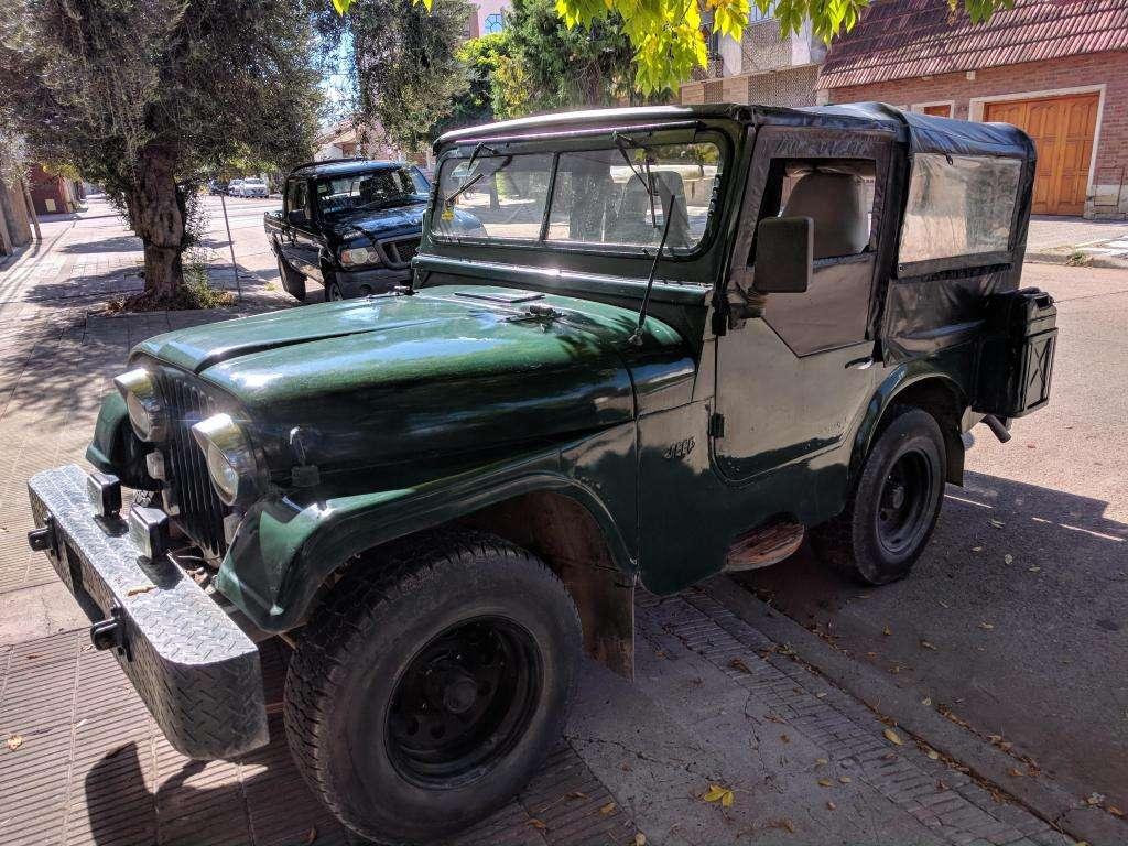 Jeep Ika con motor Chevrolet 250 caja ZF de cuarta Vendo o