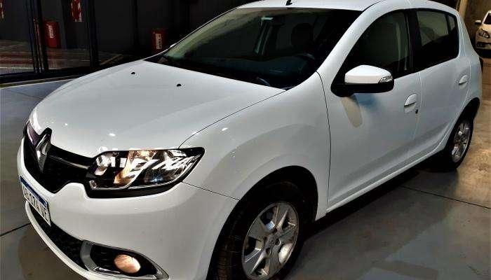 RENAULT Sandero 1.6 Privilege / Renault Sandero 1.6