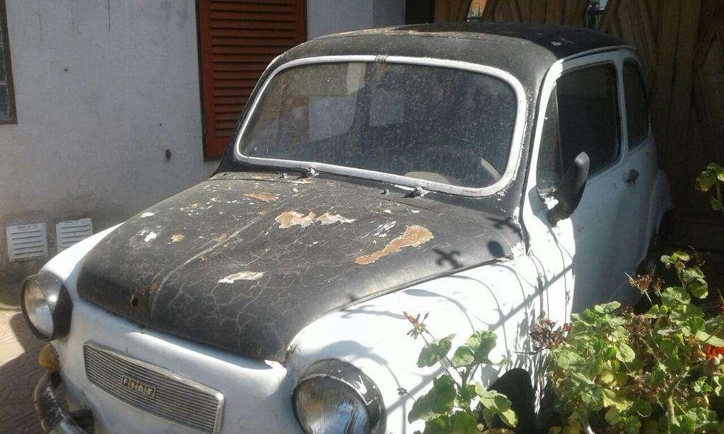 Vendo Fiat 600 a Restaurar