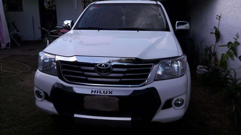 Toyota Hilux 27 Ve Srv vvti 4x2 nafta Gnc cuero