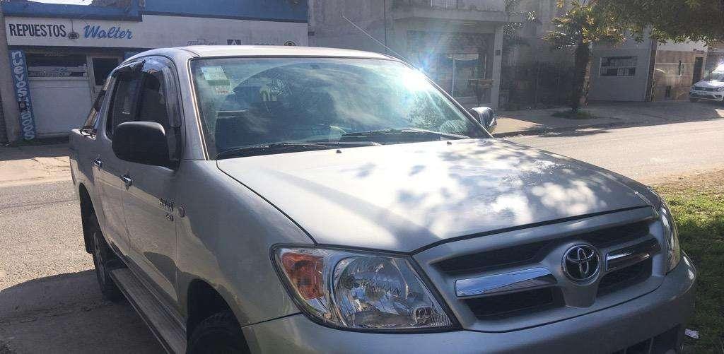 Vendo Toyota Hilux Doble Cabina 4X2 2.5