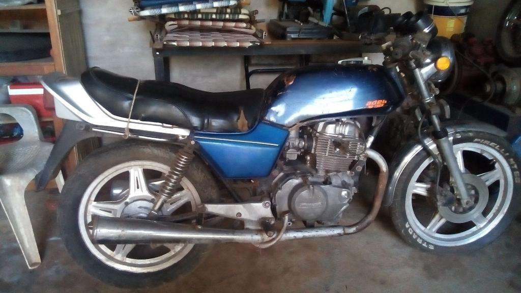 Vendo O Permuto Moto Honda Cbn 400