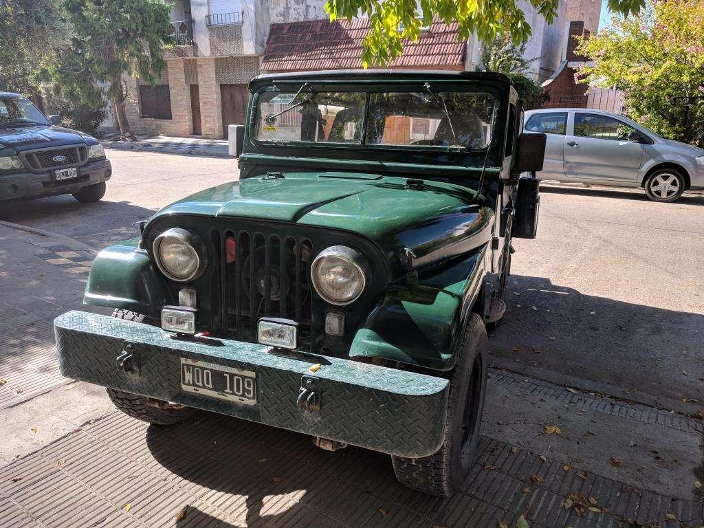 JEEP IKA motor Chevrolet 230 caja ZF Muy Bueno - o Permuto