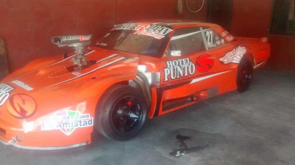 Dodge GTX de carrera