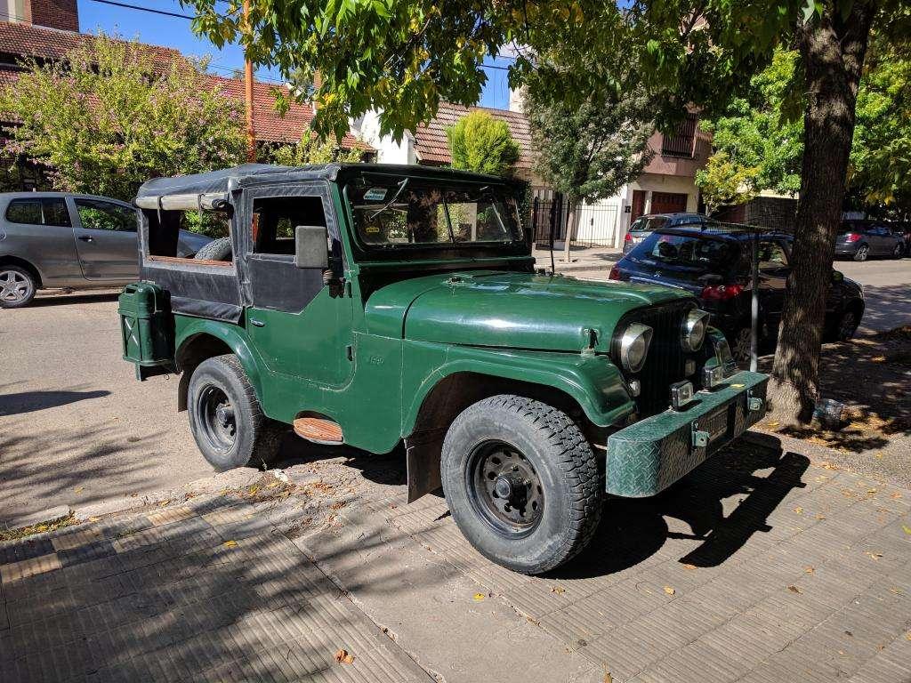 JEEP IKA motor Chevrolet 230 caja ZF Muy Bueno