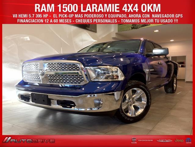 RAM Laramie  Hemi 5.7 V8 AT6 4xcv)