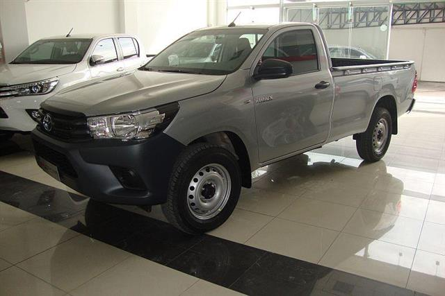 Toyota Hilux Cabina Simple DX 2.4 Diesel 4x2 MTcv)